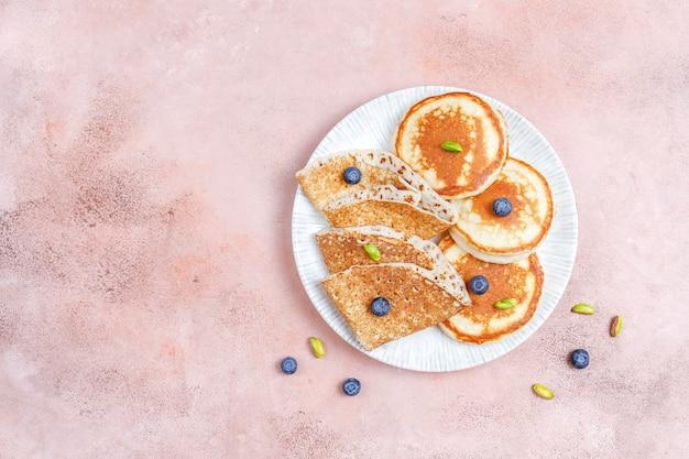 Desayuno con carbohidratos, tortitas, crepes, obleas.