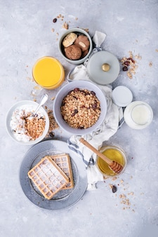 Desayuno casero de granola