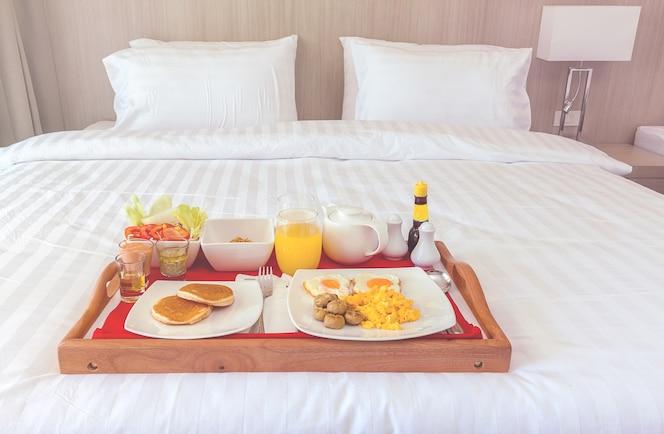 Azul de la ma ana descargar vectores gratis - Bandeja desayuno cama ...
