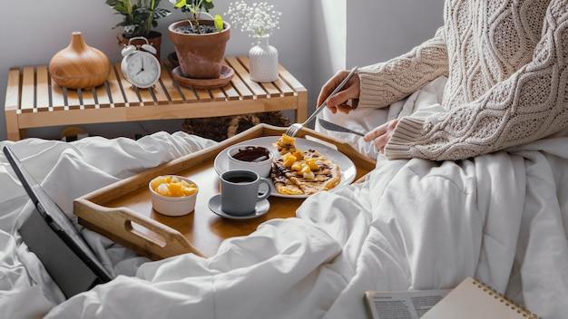 Desayuno de primer plano con panqueques