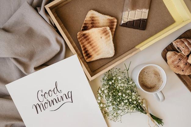 Desayuno romántico y plantilla