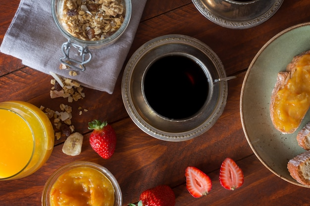 Desayuno tradicional europeo