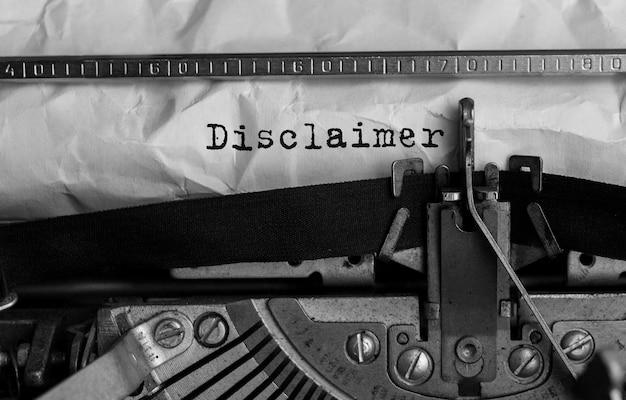 Descargo de responsabilidad de texto escrito en máquina de escribir retro