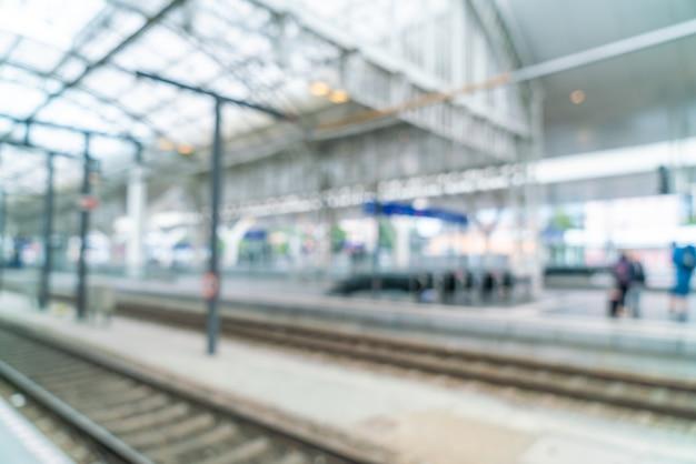 Desenfoque abstracto en la estación de tren