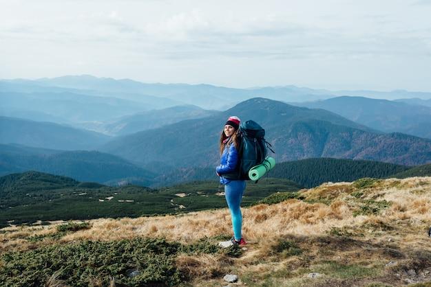 Deshacerse de todos los problemas durante una excursión a la montaña.