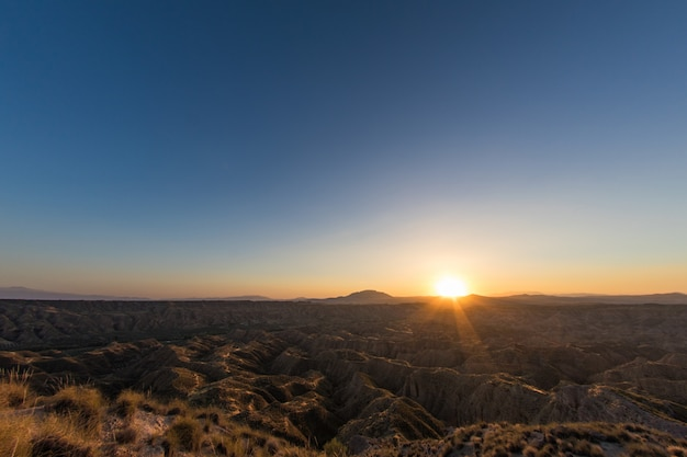 Desierto de gorafe a la luz de un atardecer de verano