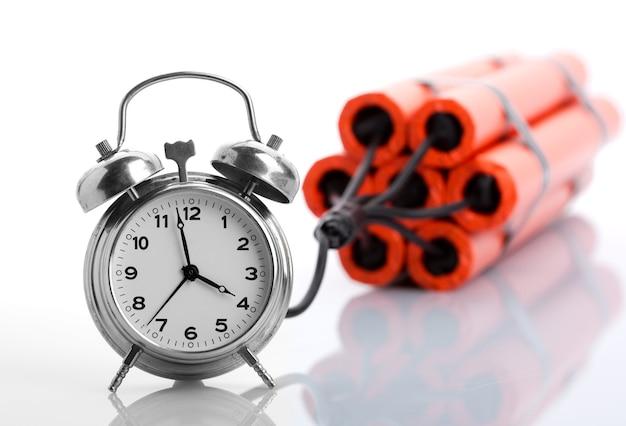 Despertador y dinamita