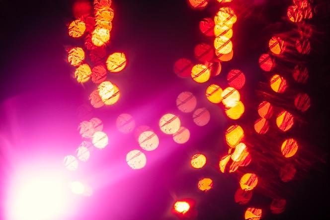 Destellar cerca de motas de luz