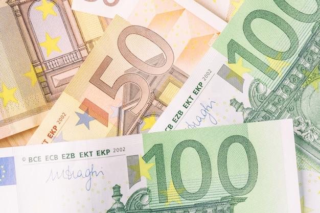Detalle de billetes de la unión europea