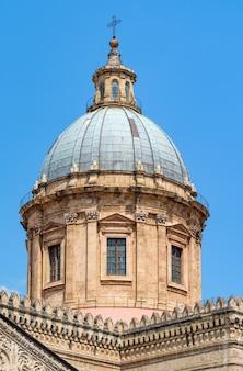 Detalle de la catedral de palermo, sicilia
