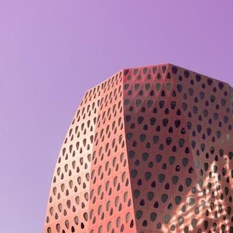 Detalle geométrico del edificio moderno en estilo pop art