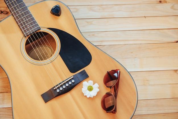 Detalle de guitarra clásica con poca profundidad de campo.