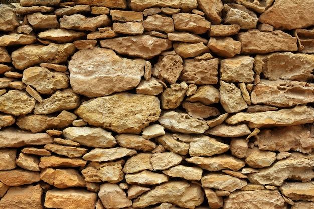 Detalle de mampostería de piedra en islas baleares.
