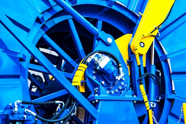 Detalle de la máquina de tubos en espiral para trabajar en los campos petroleros