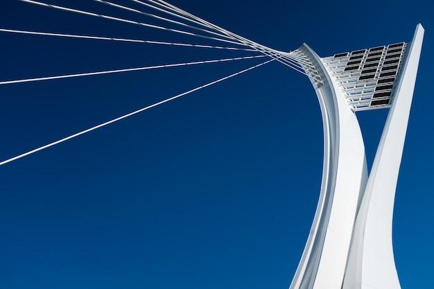 Detalle de primer plano del puente ennio flaiano