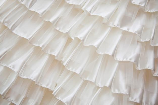 Detalle de un vestido de novia