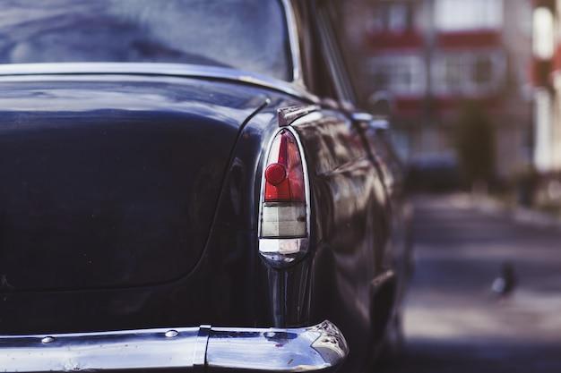 Detalles de un auto clásico