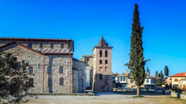 Detalles del edificio en karyes en el monte santo athos, grecia
