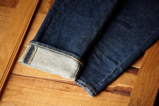 Los detalles de la tela de blue jeans