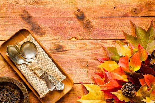 Día de acción de gracias hojas de otoño de fondo