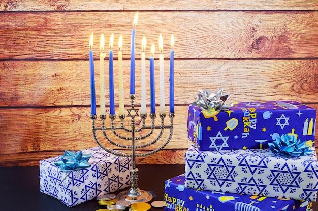 Día de fiesta judío hanukkah celebración tallit vintage menorah