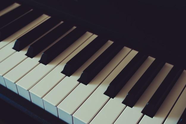 Día internacional del jazz. teclado de piano