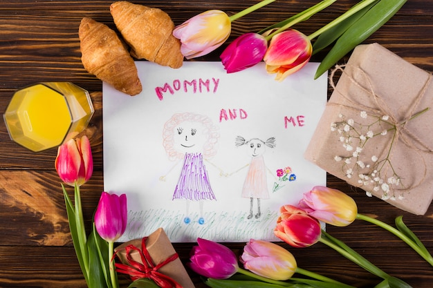 Día de la madre dibujo con desayuno clásico.