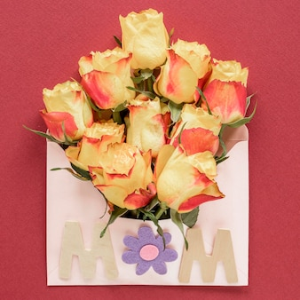 Día de la madre con vista superior de flores.