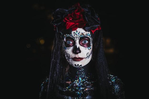 Dia de los muertos retrato de una mujer joven