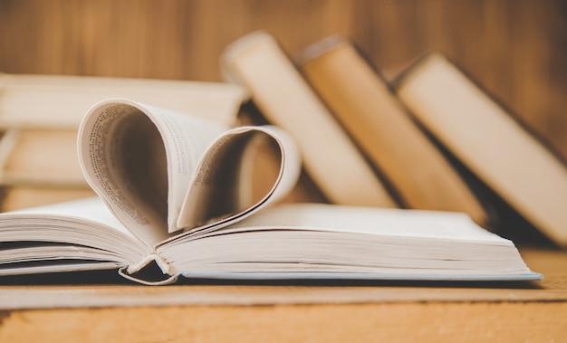 Día mundial del libro. libro de fondo enfoque selectivo