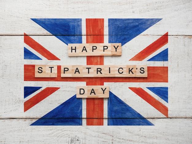 Día de san patricio con una bandera británica.