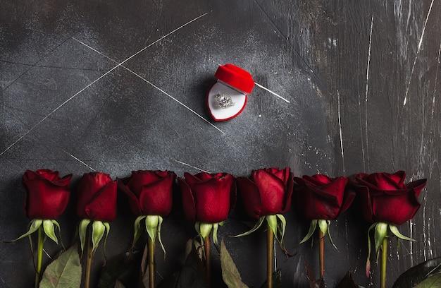 Día de san valentín casarse conmigo anillo de compromiso de boda en caja con regalo de rosa roja