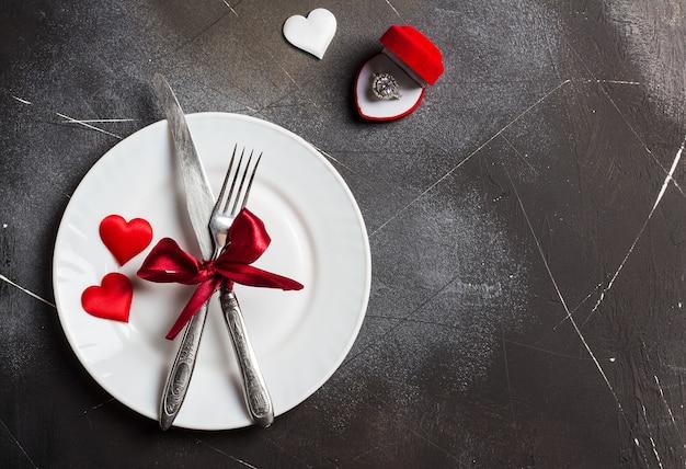 Día de san valentín mesa de ajuste cena romántica casarse conmigo anillo de compromiso de boda