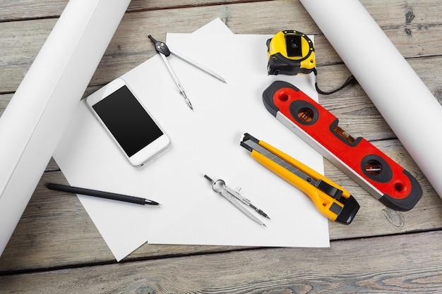 Dibujos arquitectónicos y herramientas
