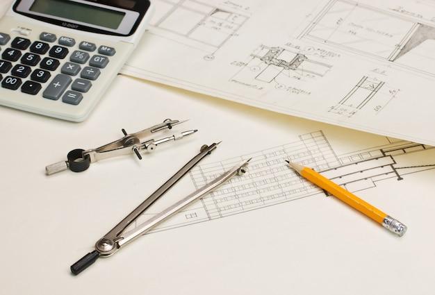 Dibujos técnicos y una calculadora