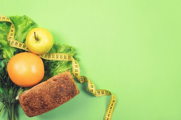 Dieta, pérdida de peso, alimentación saludable, concepto de comida fresca.