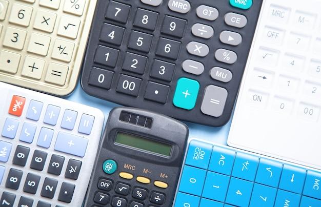 Diferentes calculadoras. negocio. finanzas. contabilidad