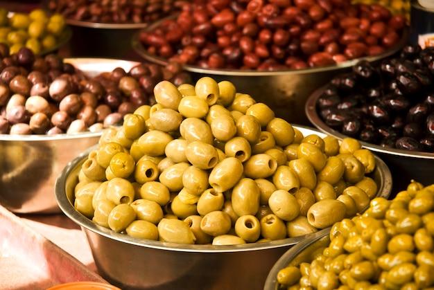 Diferentes frutas de olivo