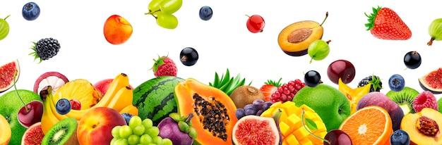 Diferentes frutas sobre fondo blanco con espacio de copia