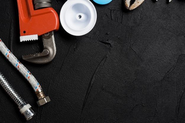 Diferentes herramientas y tuberías