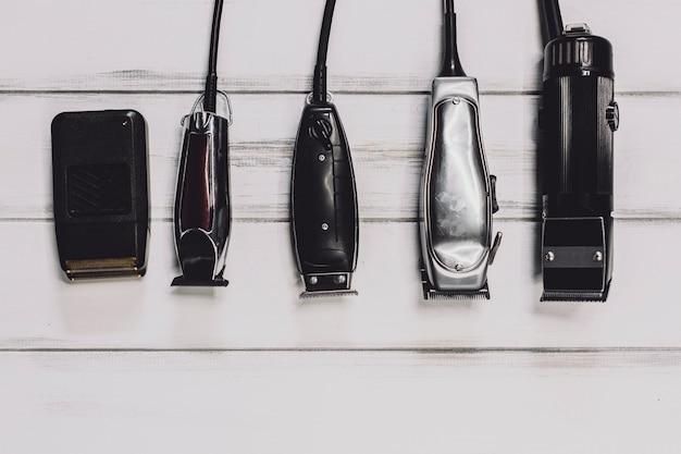 Diferentes máquinas para cortar el cabello
