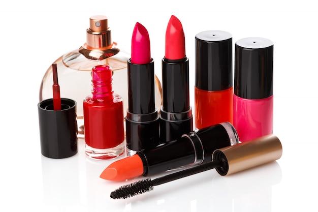 Diferentes productos de maquillaje