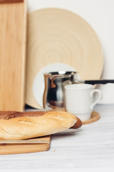 Diferentes tipos de panes tabla de cortar cocina corte