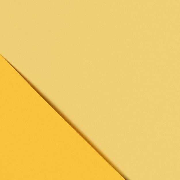 Diferentes tonos de papel amarillo.