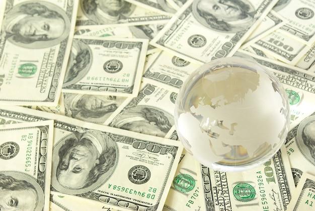 Dinero y orbe