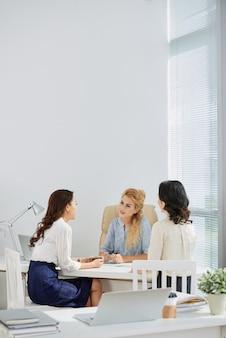 Discusión de negocios