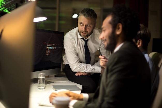 Discusión productiva de desarrolladores de software