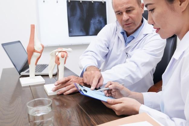 Discutir el historial médico