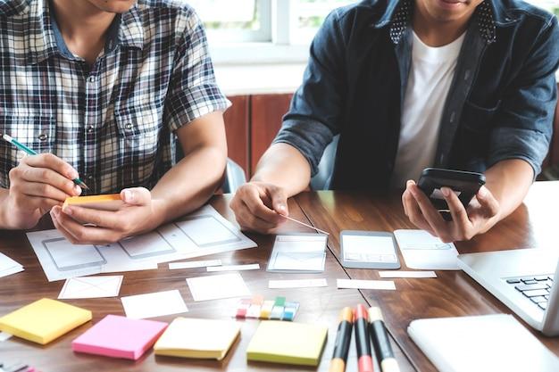 Diseñador web, aplicación de planificación de diseñador ui ui para teléfono móvil