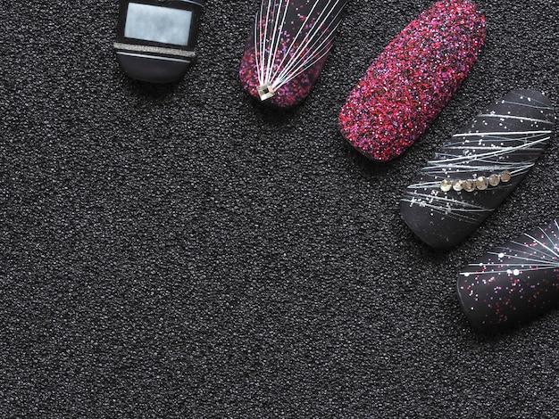 Diseño elegante en puntas. macro textura de las uñas.